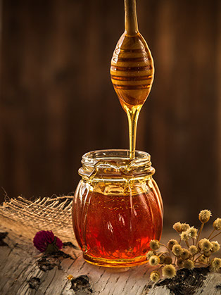Apitherapy about honey